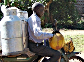 Towards professionalizing—not criminalizing—informal sellers of milk and meat in poorcountries