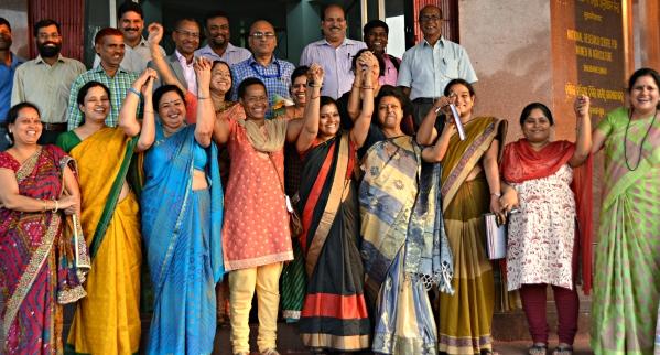 DSC_4472_Bhubaneswar_CIWA_GroupPhoto6_RaisedHands