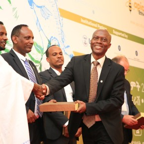 ILRI technology upscaling program recognized for supporting the Ethiopian poultry sector